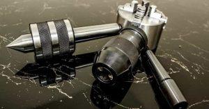 Екипировка за машини - Универсал за струг ; Патронник за струг ; Патронник за бормашина ; Въртящ център ; Дорник ; Втулка