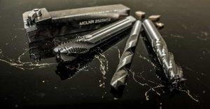 Металорежещи инструменти : Свредло ; Метчик ; Фреза ; Стругарски нож ; Плашка ; Пластина